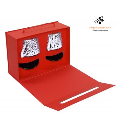 Коробка чемоданчик с крышкой на магните красная