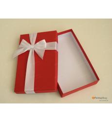 Подарочная коробка красная с бантом